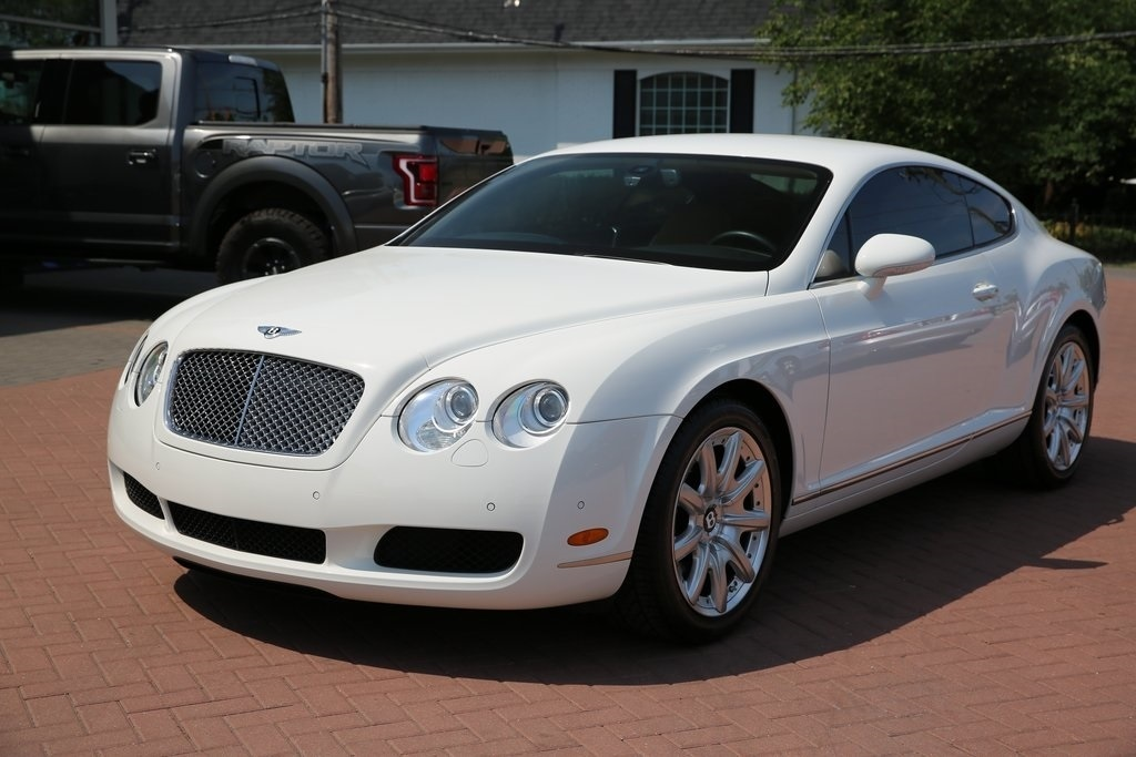 pre-owned 2005 bentley continental gt base 2d coupe in hinsdale