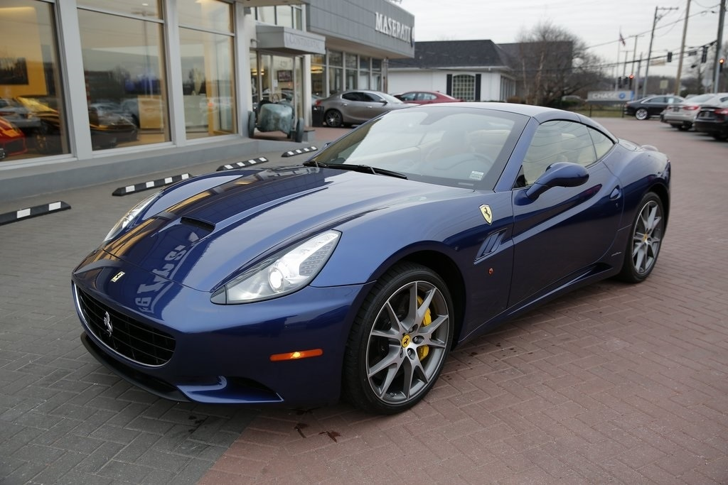 Pre-Owned 2011 Ferrari California Base