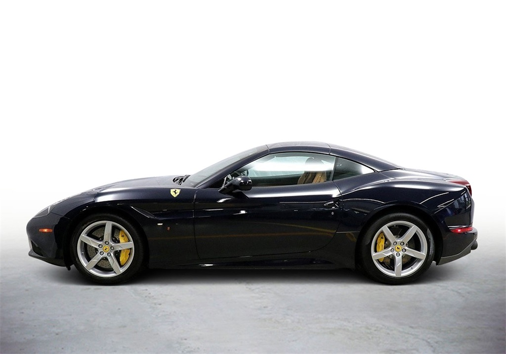 Pre-Owned 2017 Ferrari California T